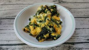 ほうれん草と卵のオリーブオイル炒め